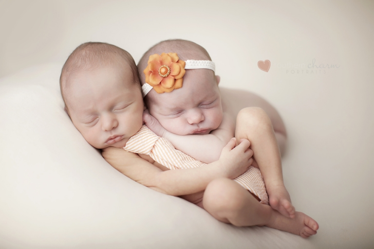 Knoxville twins pictures maternity and newborn
